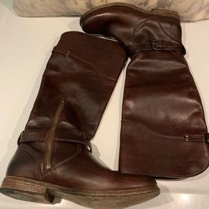GORGEOUS FRYE LEATHER BUCKLE BOOTS SIZE 8